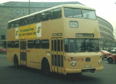Dieses Fahrzeug wurde von der BVG am 27. September 1974 in Dienst gestellt  und die fällige Generalreparatur war am 25. Juli 1980 beendet.