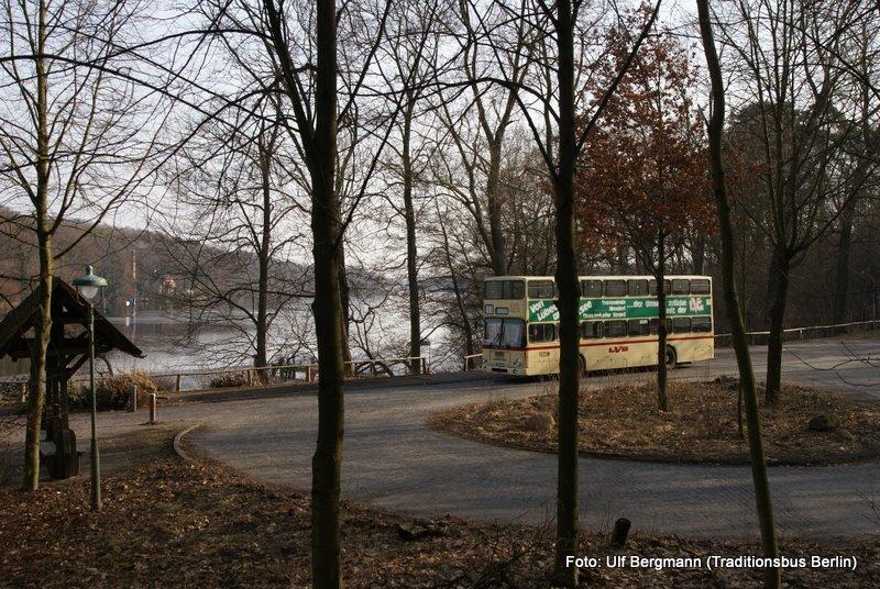 ausflugslinie 218 mit dem historischen autobus durch den grunewald. Black Bedroom Furniture Sets. Home Design Ideas